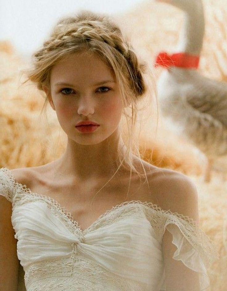 Coiffure de mariée Couronne de tresse - Les plus jolies coiffures de mariée pour s'inspirer - Elle