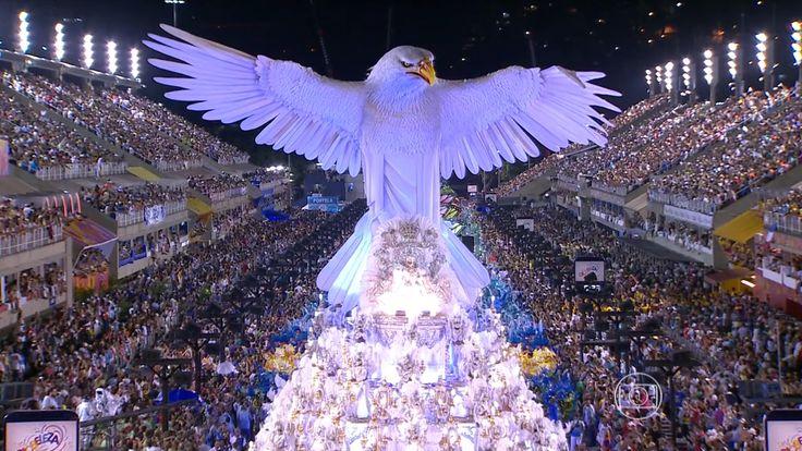 El Carnaval de Brasil es una celebración anual que tiene lugar en Brasil, empieza cuarenta días antes de Pascua, marcando el comienzo de la cuaresma, con fecha variable.