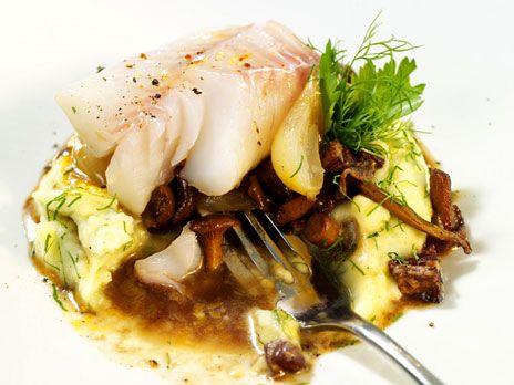 Torsk på fläsk med svamp och potatispuré | Recept från Köket.se