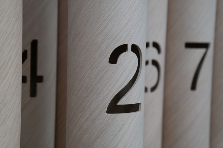 Milling: Numbers as a recess in the wall of the wooden tubes. For example to backlight.