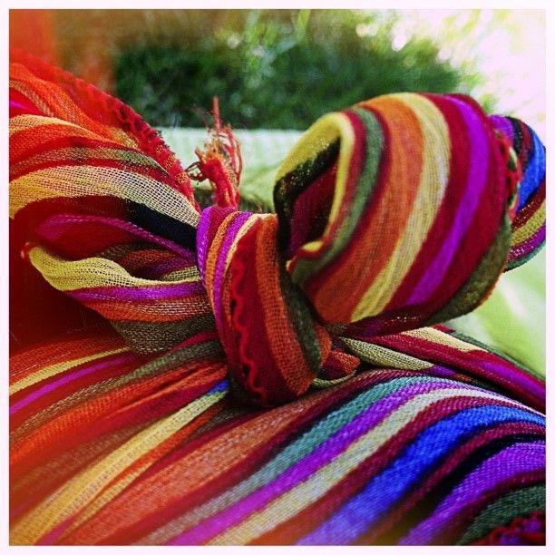 #rainbow #pañuelo #valencia #nudo #verano #summer #fashion ©www.aunioncreatividad.com