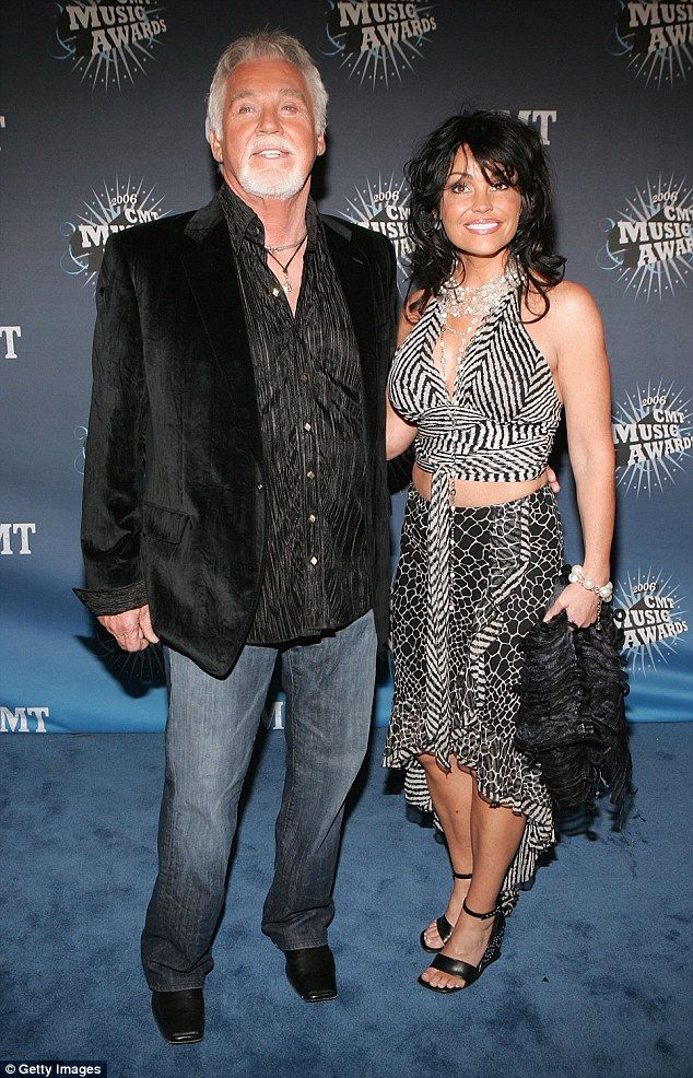 He has a hot wife at home: Kenny Rogers and his wife Wanda arrive at the 2006 CMT Music Awards in Nashville, Tennessee in 2006