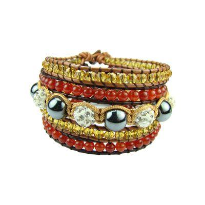 Conjunto de 5 pulseras en cuero, hilo, metales y cristales. www.blucompany.cl