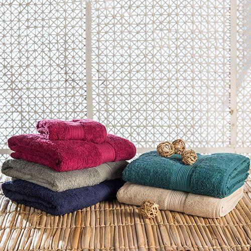Jogo de Toalha Banhão FioEgípcio Isis 5 Peças - Casa e Conforto - Confeccionado em tecido 100% algodão Egípcio penteado, pré-lavado e pré-encolhido e com toda barra maquinetada - 2 peças de banho gigante 90x160cm; 2 peças de rosto 48x90cm; 1 peça piso 48x85cm - CLIQUE NA FOTO E CONFIRA!