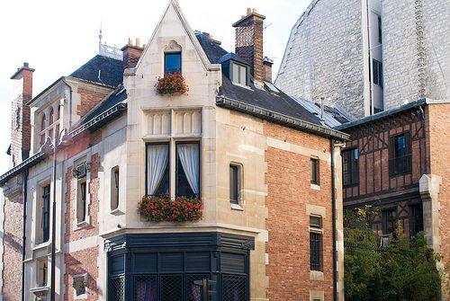 Angle de la rue Léon-Cosnard et de la rue Legendre