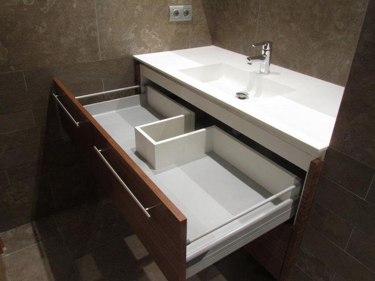 #Baño en gris y #nogal #BañoTerrassa #PuntdeVista