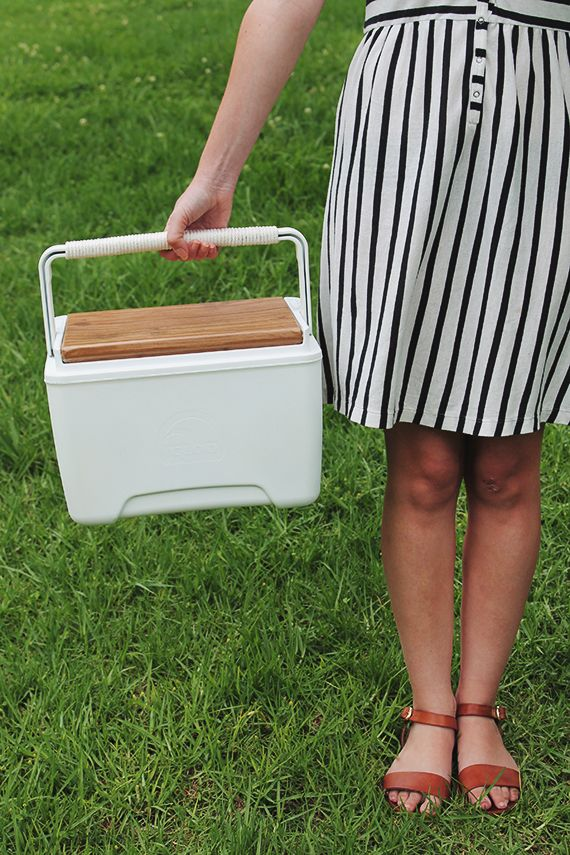 #DIY a cooler that looks as good as you do for your next picnic!