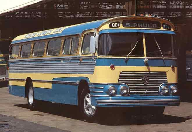 Blog do Pesado: História do Transporte Urbano no Brasil – Curiosidades - Ônibus Scania-Vabis B75 O ônibus Scania-Vabis B75 foi o primeiro a ser fabricado por esta empresa no Brasil, em 1959. Seu motor, de 7 ou 10 litros, diesel, desenvolvia 165cv de potência (versão de 10 litros). Com carroceria Ciferal, podia acomodar até 78 passageiros. O exemplar exibido pertence à Viação Cometa