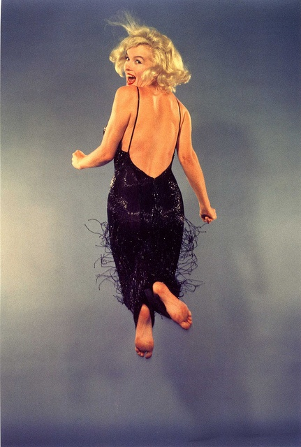#Marilyn #Monroe jumping for Philippe Halsman - #Life magazine  1959