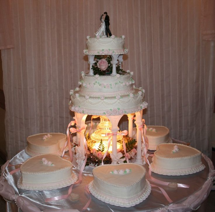 wedding cakes with fountain 17 ideas about wedding cakes on big 26024