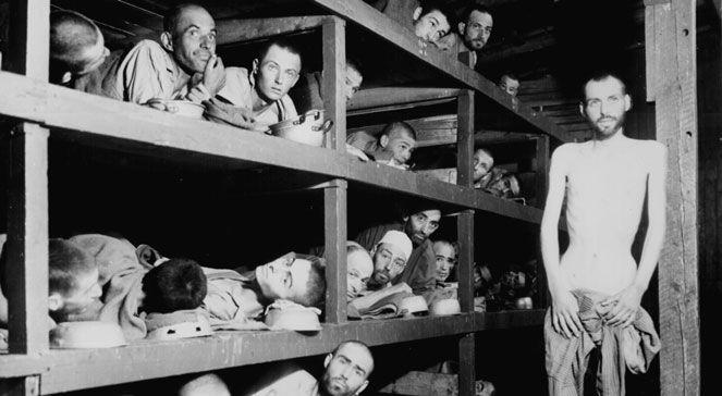 Wyzwoleni więźniowie KL Buchenwald. Kwiecień 1945. PAPDPA