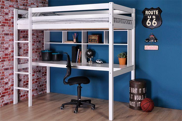Thuka Hit wit gelakt hoogslaper met bureau. Aan het grote bureaublad met boekenrekje kan uw kind huiswerk maken. En in de hoogslaper is het heerlijk slapen.