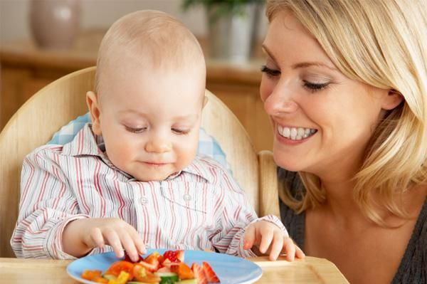 From roughly 7-8 months of age, many babies are more than ready to move on from eating purees alone to something more substantial. If your little one is raring to give 'big people' foods, take a look at our list of some of the best finger food for babies.