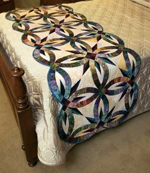 Can't wait to make this! Bali Bed Runner/ Double Wedding Ring