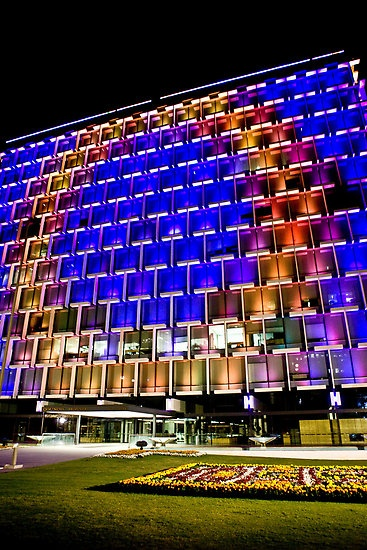 Light it up! Council House in #perth.