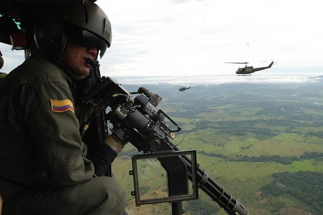 Nuestro Servicio Aéreo sobrevuela el país para mantenerlos seguros.