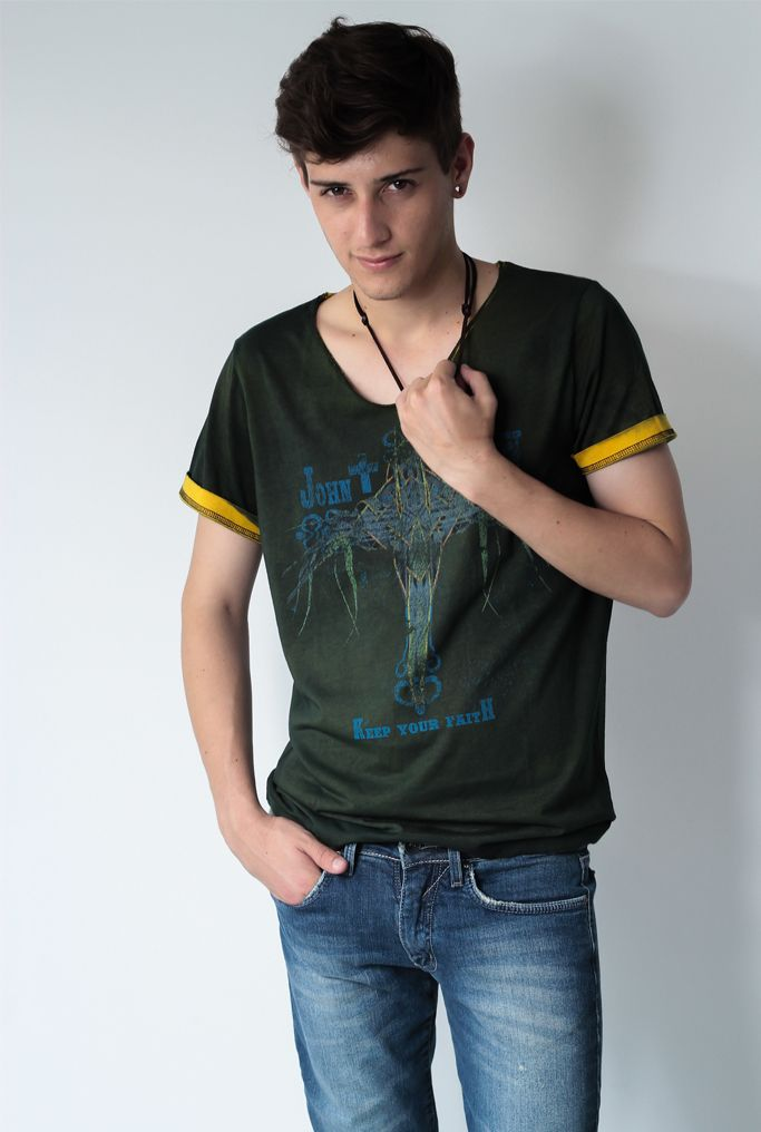 #multmix #winter #2014 #fashion #shooting #moda #colecao #ellus #camisa #blusa #estampa #calça #flare #look #jeans #exclusiva #casaco #johnjohn #cavalera #colcci #oculos #vestido #carmim #sapato #woman #men #woman #xadrez #calca #resinada #fashion #blazer #redley #osklen #riva #tenis