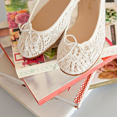 Elegance and comfort with Josefinas Grace on your wedding day. Say yes to this shoe 👰 #WeddingDay #JosefinasPortugal