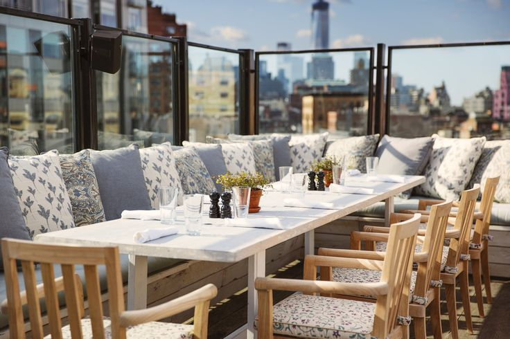 Shny_rooftop_spring_table