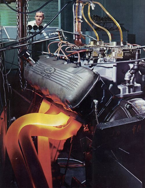 Ford 427 SOHC Cammer lighting up the pipes running open under test!