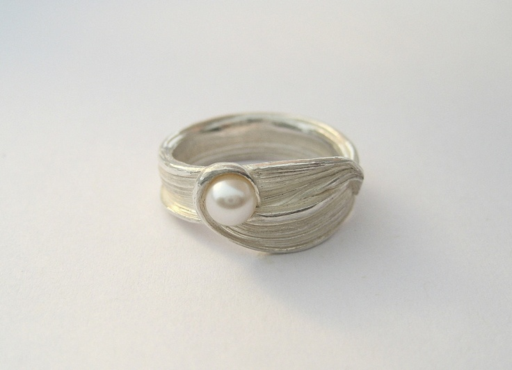 Ring by Liz Oppenheim #Ring #Liz_Oppenheim