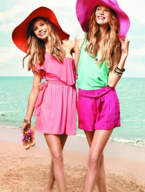 @Brooke Simms This will be us in 3 months with BIG HATS! :)