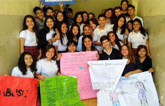 Alumnos secundarios se expresaron contra la violencia de género: Estudiantes de la Escuela Normal Superior General Manuel Belgrano…