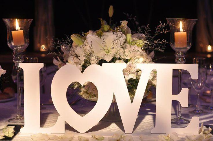 centro de mesa LOVE Facebook/dulce soffia