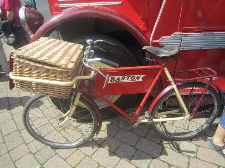 Bartons delivery bike 16.8.15 ilkeston vintage and classic vehicle show