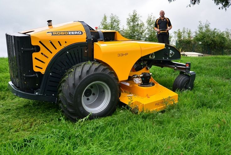 McConnel has unveiled the world's first commercial remote control zero-turn mower at SALTEX. Created to enhance manoeuvrability and productivity, McConnel's new ROBOZERO machine can turn on its own axis enabling it to thrive in confined environments while its low centre of gravity ensures it can tackle slopes up to 35 degrees.