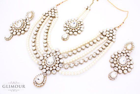 Beautfiul Handcrafted Pearl & Kundan Stone Bridal Indian Necklace,Earring and Tikka Head chain Jhumar Set Bollywood Wedding Indian Fashion