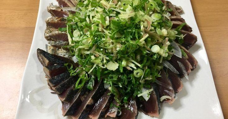 男飯 薬味たっぷり 鰹のタタキ by 俺様インコ [クックパッド] 簡単おいしいみんなのレシピが269万品