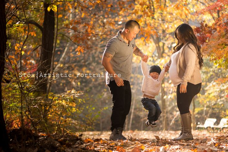 I GO WEE | Family Session By: Daegu Photographer IZA WIEBE  To book a session go to www.creativostoa.com    #DaeguLifestyle#Daegubabies#GenderReveal    I have heard about the stunning fall colors South Korea had to offer.