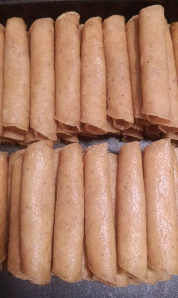 """Taquitos estilo Don Yeyo Famosos en Reynosa Si están a dieta, no se los recomiendo pues son adictivos…ésta es mi versión. Ingredientes: Tortillas de maíz, tamaño """"taquera&#8…"""