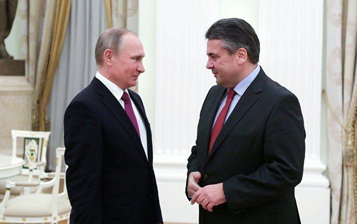 Russlands Präsident Wladimir Putin hat sich bei seinem Treffen mit dem deutschen Außenminister Sigmar Gabriel für eine Verbesserung der bilateralen Beziehungen ausgesprochen.