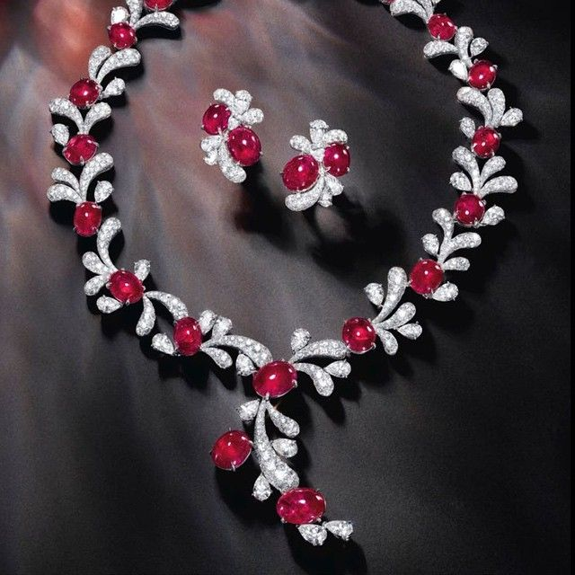 The Faidee Fireworks Necklace  #faidee #ruby #HighJewelry #burmaruby #instafashion #couture #necklace #rubynecklace #sothebys #auction #burma #jewellery #pigeon blood #gem ruby #handmade #rarejewels