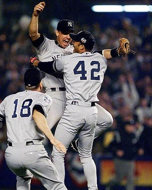 #tbt New York Yankees winning the World Series in 2000... can we look past them this season?! Not long now till the 2018 season who you backing? Heart says @nationals but head says  @yankees !!!  #baseball #baseballseason #worldseries #nationals #yankees #dodgers #cubs #redsox #marlins #phillies #metz #usa #america #homerun #hitting #batting #pitching #pitcher #judge #stanton #harper #trout