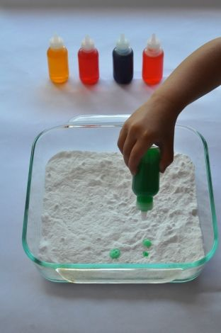 Toddler science - baking soda and vinegar.