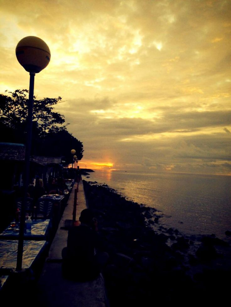 Malalayang beach, Manado