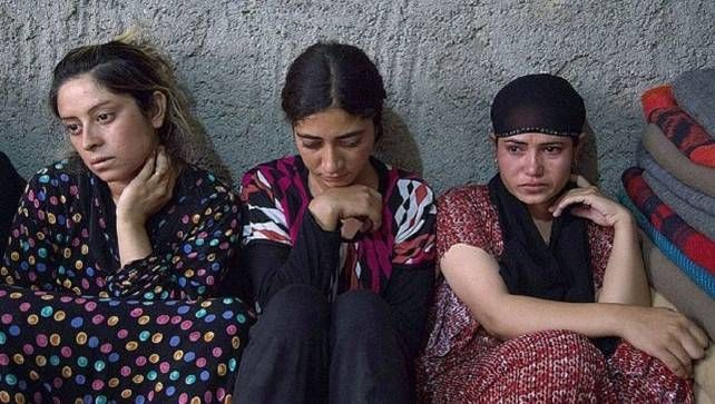 IS verhandelt gevangengenomen Yezidi-vrouwen als seksslaven. Daar heeft de terreurbeweging nooit een geheim van gemaakt. Nu zijn er voor het eerst beelden…