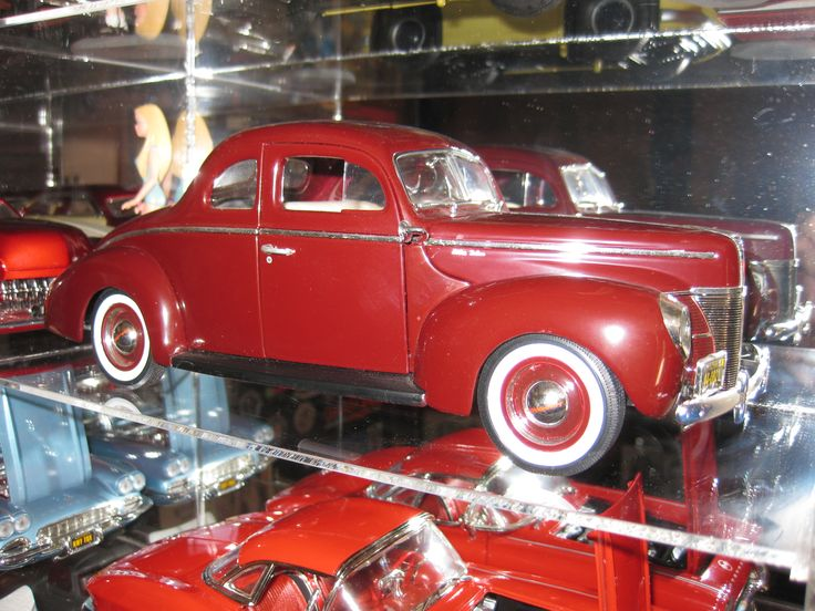Charmant 1940 Ford Deluxe Coupe In Maroon. From My Personal Collection.