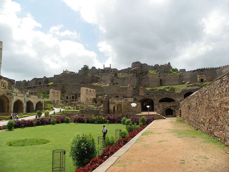 Golconda Fort was established by the Kakatiya king around the 13th century. From then on it acquired great significance and was renovated and furnished by the upcoming dynasties, with Qutb Shahi Dynasty being the major contributor. #Travel #GolcondaFort #Hyderabad #India