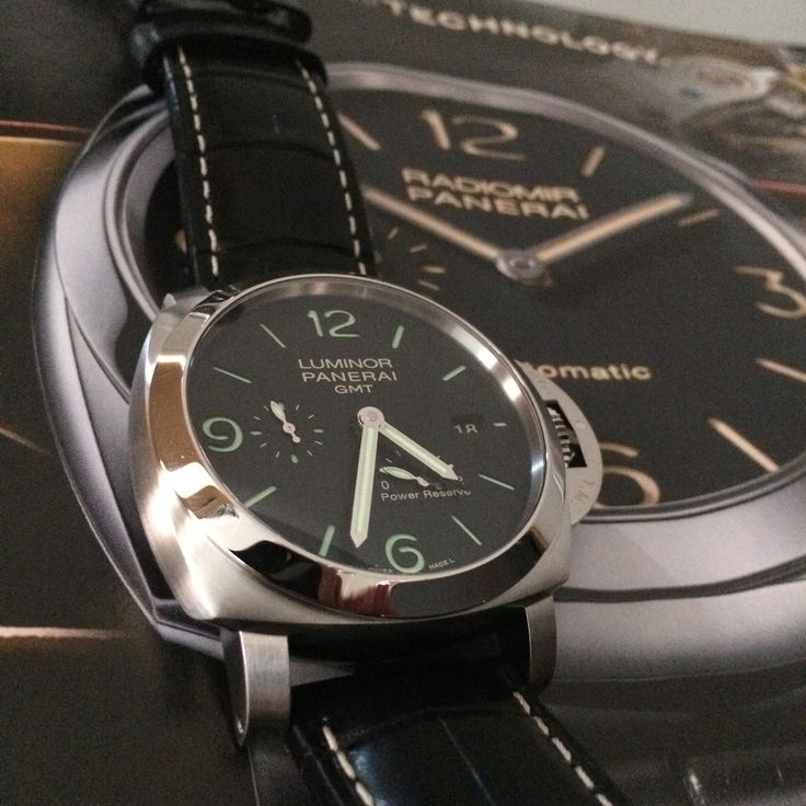 #PaneristiFriday My personal favourite, the Panerai Luminor 1950 PAM321