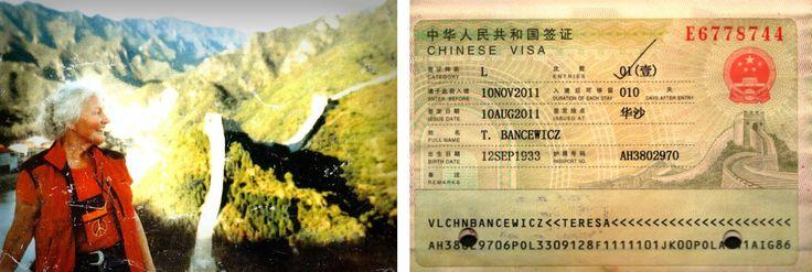 Pani Teresa autostopem pojechała zobaczyć Chiński mur. Obok wiza do Chin (fot. archiwum prywatne)