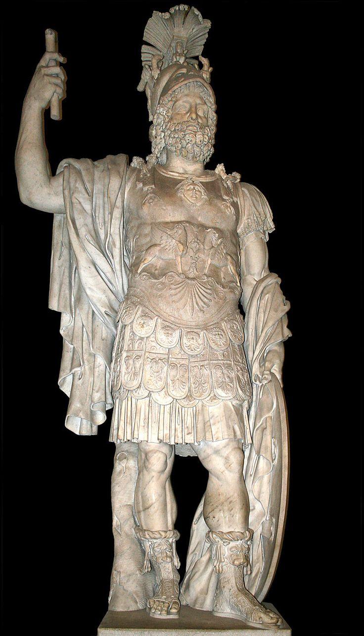 Mars - Statue romaine colossale en marbre - Palais des Conservateurs, Musées du Capitole, Rome.