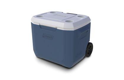 Deze Coleman koelbox heeft wieltjes en is makkelijk te verplaatsen. Ideaal voor op het strand dus! Hij heeft een inhoud van 48 liter en in de deksel zitten 4 bekerhouders. >> http://www.kampeerwereld.nl/coleman-50-qt-xtreme-wheeled-cooler/