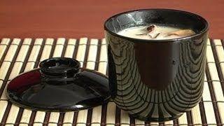 Японский суп Том Кха с морским коктейлем. Японская Еда