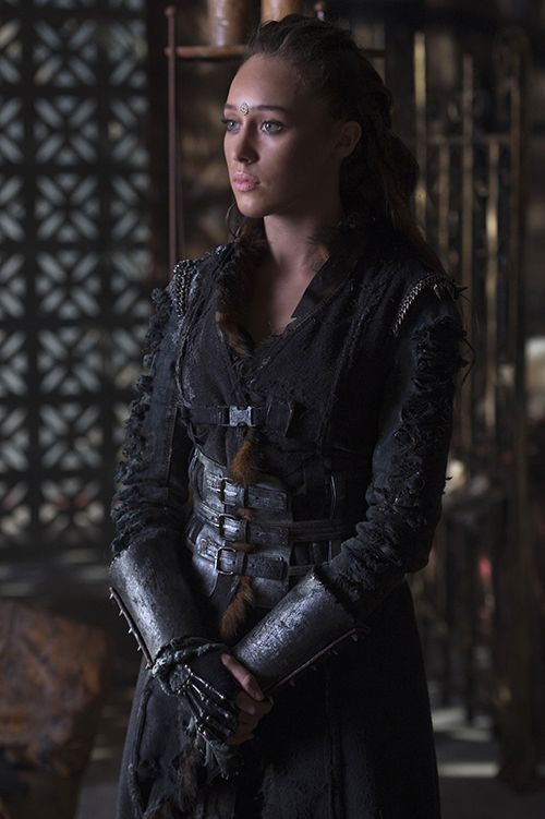 THE 100: ALYCIA DEBNAM-CAREY ON LEXA'S FEELINGS FOR CLARKE, HER HISTORY AND MORE