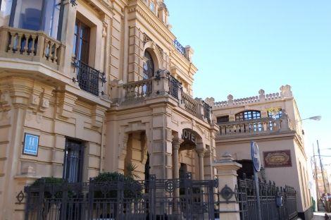 Hotel en venta en Edificio Modernista. Calzada de Duquesa Isabel. Sanlúcar de Barrameda. Cadiz | Lançois Doval