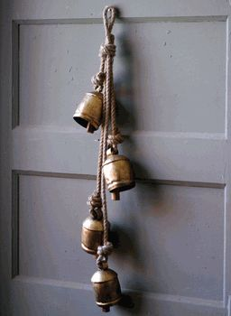Old-fashioned door bell & 62 best Old Bells images on Pinterest | Leu0027veon bell Ding dong ... pezcame.com